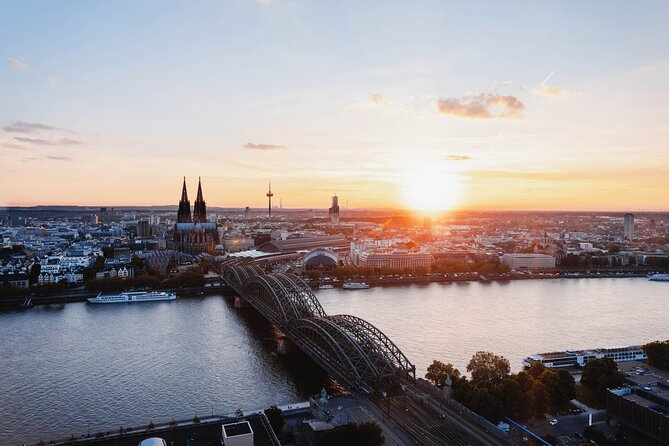 Touristic highlights of Cologne on a Private half day tour with a local