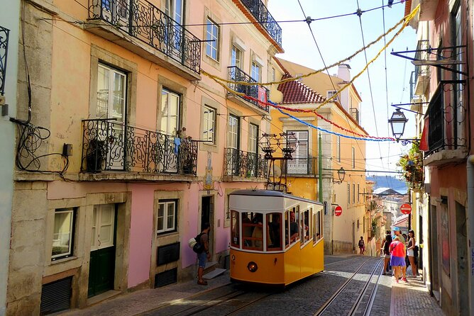 Layover in Lisbon a Private Tour with a local: Best Highlights of Lisbon