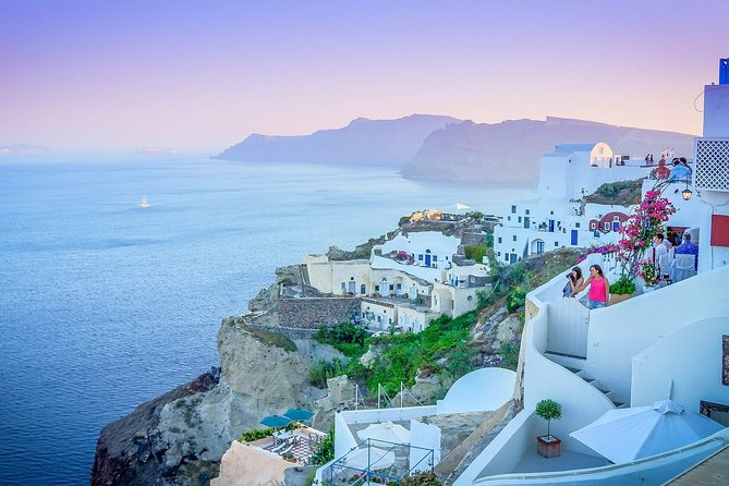 Private tour of the best of Santorini - Sightseeing, Food & Culture with a local