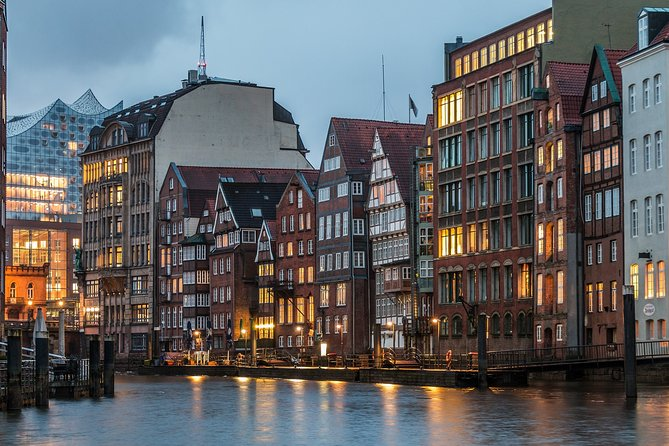 Private tour of the best of Hamburg - Sightseeing, Food & Culture with a local
