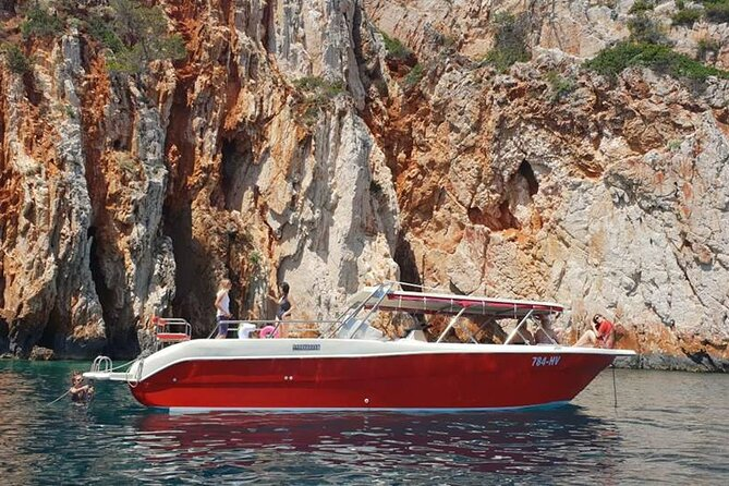 Private Red Rocks and Pakleni Islands beach hopping speedboat tour