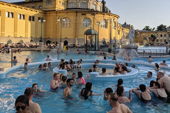 Private Tour of Thermal Baths in Budapest with a local