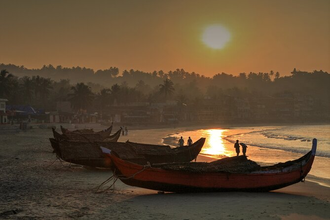 Beaches and Backwater of Trivandrum (Guided Full Day City Tour)