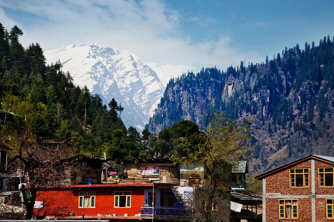 Experience the Best of Manali with a local - Private 4 Hrs Tour in AC Car