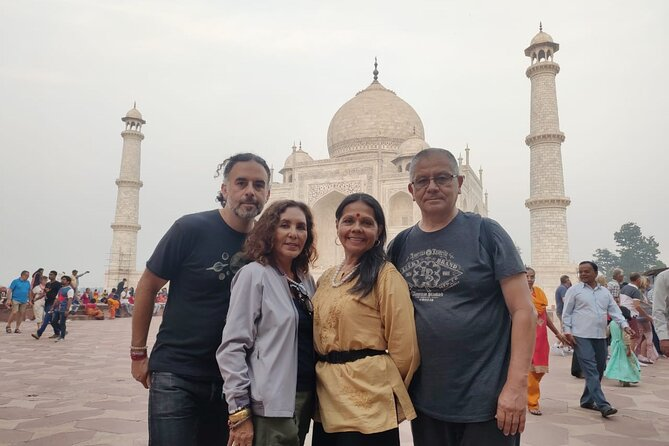 Taj Mahal Day Tour By Gatimaan Train