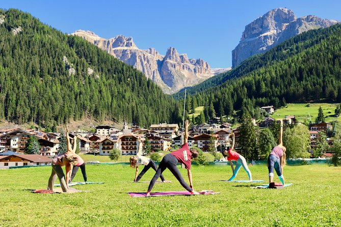 Outdoor Yoga in Canazei - Dolomites