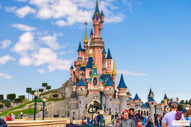 Private Disneyland Paris Transfers - Premium Service Minivan