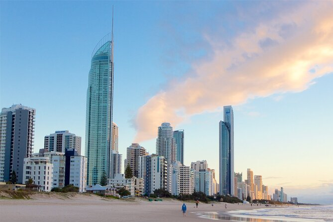 Gold Coast Airport Transfers : Gold Coast City to Airport OOL in Luxury Van