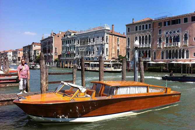 Private Watertaxi from Venice Centre to Venice Train Station