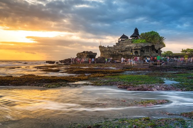 Ulun DanuTemple with Tanah Lot Sunset Private Tour