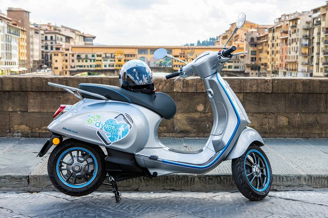 Rent Eletric Vespa 45 - Half Day