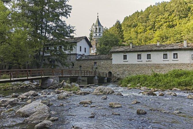 Bulgaria in one day: Veliko Tarnovo, Bacho Kiro Cave and Dryanovo Monastery