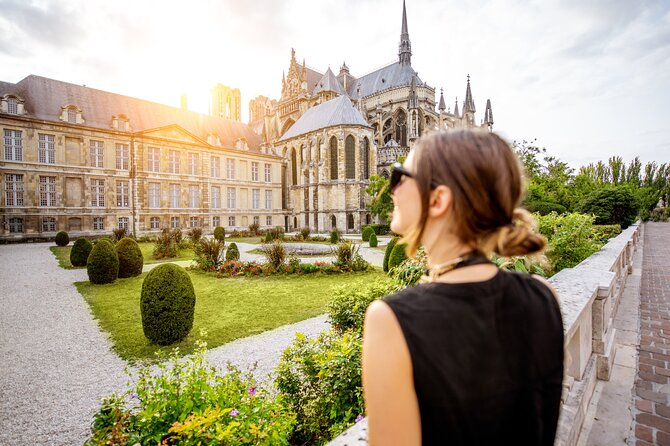 Vineyards of Reims from Paris. Full-Day Private Champagne Tour with French Lunch
