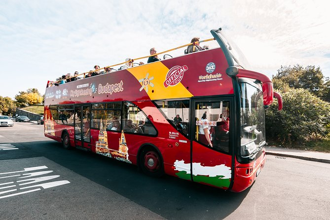 Combined Hop-on Hop-off Tour Including River Cruise and Walking Tour
