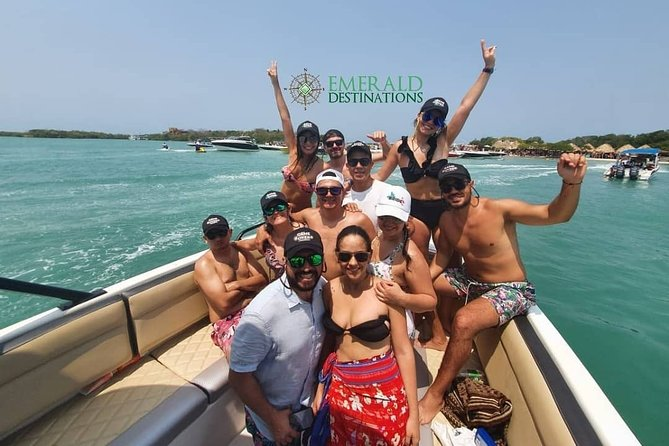 Private Boat Tours to Rosario Islands with Emerald Destinations