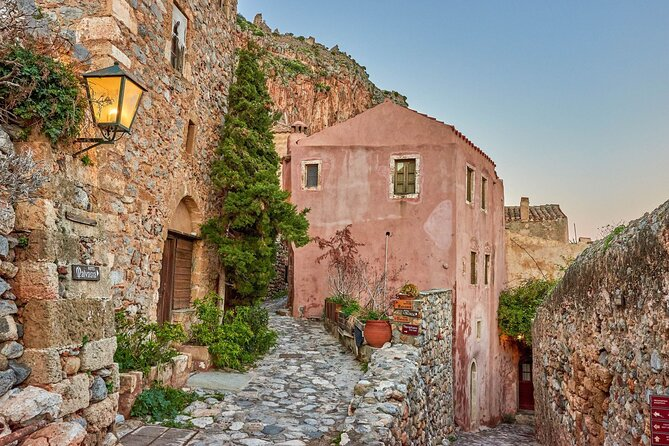 Discover the South Peloponnese, Mystras and the Mani Peninsula