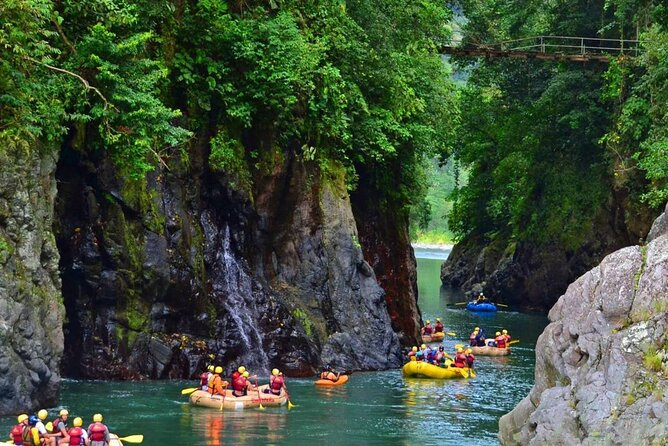 Day Trip to Pacuare River Rafting Class III-IV from San Jose