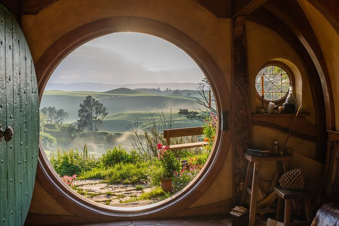 Hobbiton Movie Set Tour & Hamilton Garden Experience