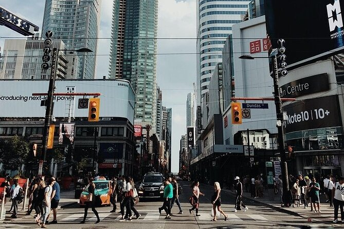 Small-Group Best of Downtown Toronto Walking Tour