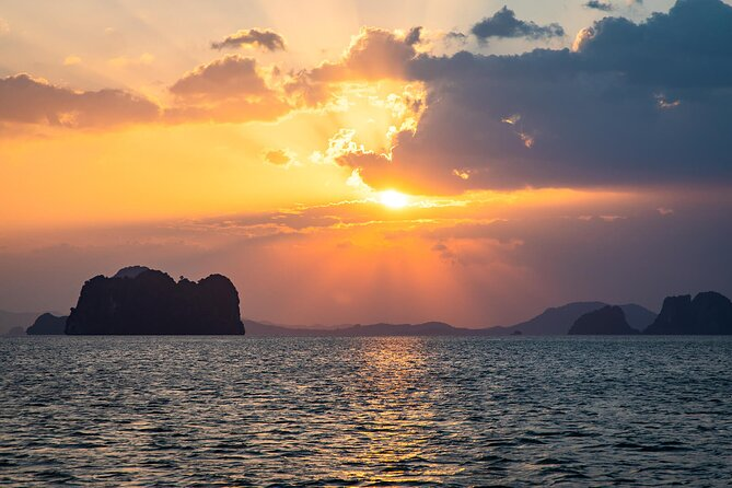 Hong Island Sunset Tour with BBQ Dinner and Night Snorkeling from Krabi