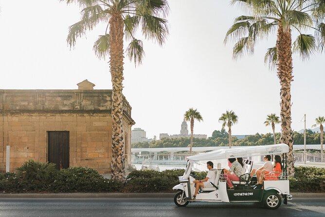 Express tour of Malaga by electric tuk-tuk