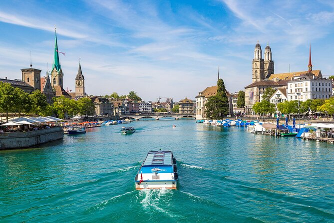 Zurich Small-Group Guided Walking Tour Including Lake Cruise