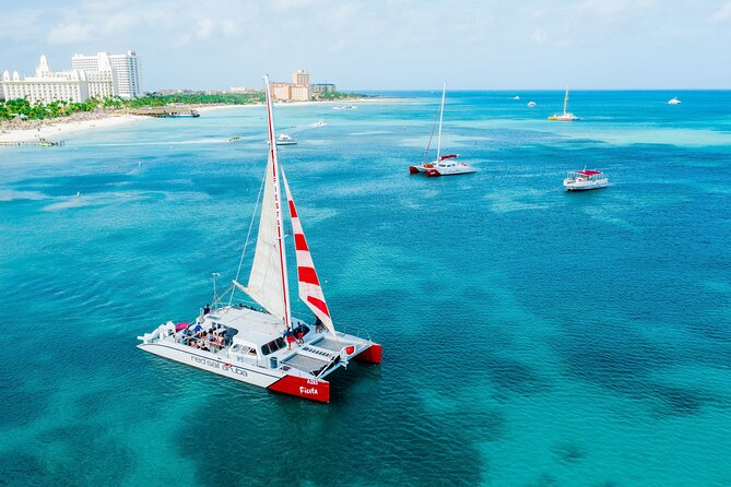 Private Sailing along Aruba Coastline with Lunch
