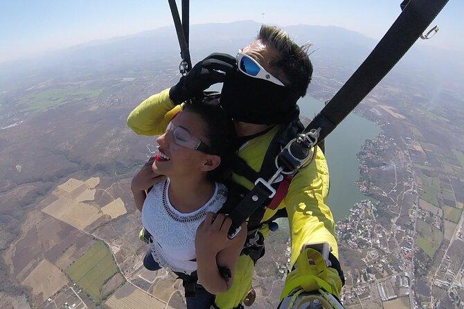 Salto en paracaídas (sólo salto)