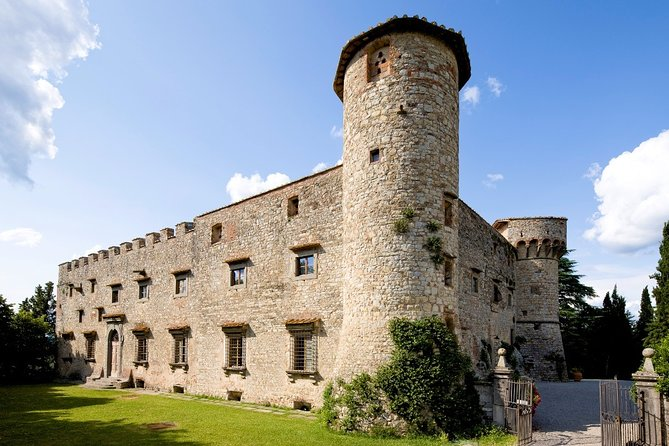Private Tour and Wine Tasting at Castle-Wineries in Chianti from Florence