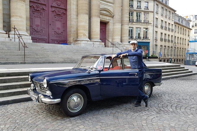 Paris Private Tour by Vintage Car with Wine Tasting