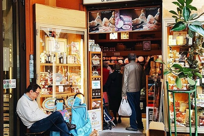 Bologna Food & Wine tour with a local Chef