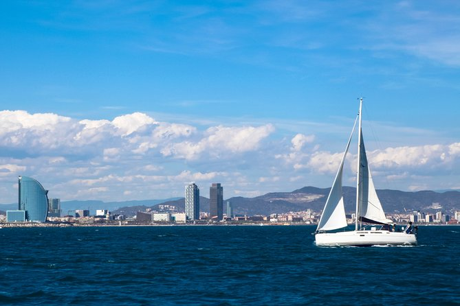 Sailing Experience and Sagrada Familia with Tower Access