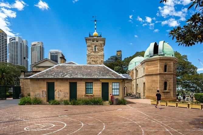 Sydney Scavenger Hunt: Inside Sydney