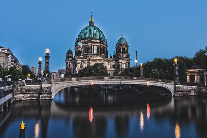 Private Berlin WWII and Cold War History Tour with Local Expert Guide