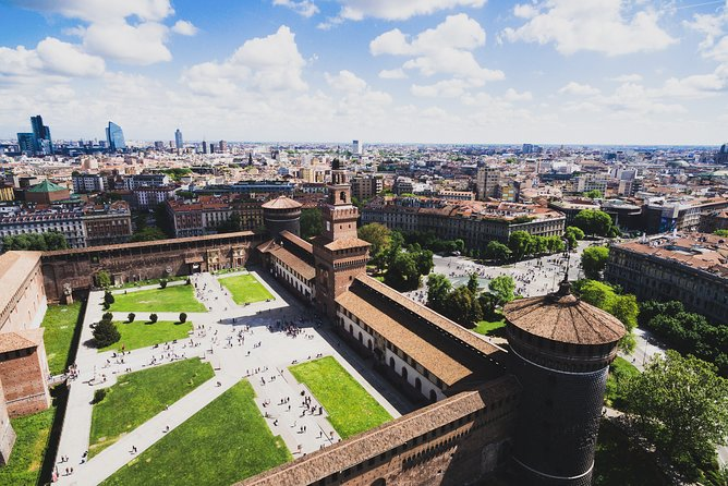 14+ Milan Attractions on Private Tour with Local Expert Guide