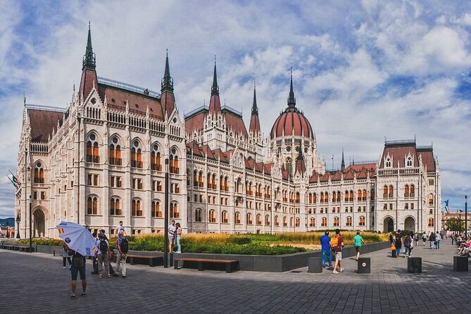 Private Communism Tour in Budapest with Local Expert Guide