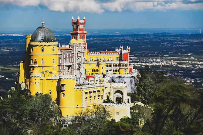 Private Full-Day Lisbon Trip to Sintra, Cascais and Cabo da Roca with Pick-Up