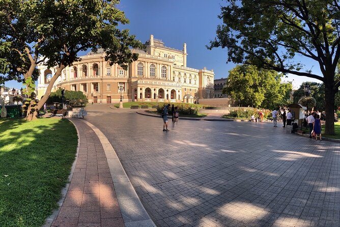 Secrets and Splendors of Odessa's Main Sights. Virtual walking tour with a quiz