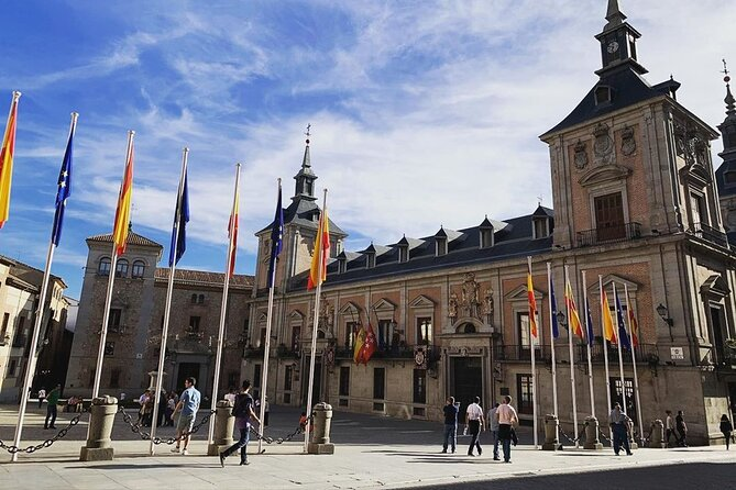 Madrid and Royal Palace by walking tour