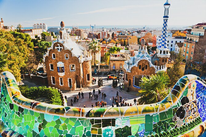 Barcelona Must-See Private Tour with a Friendly Local Guide