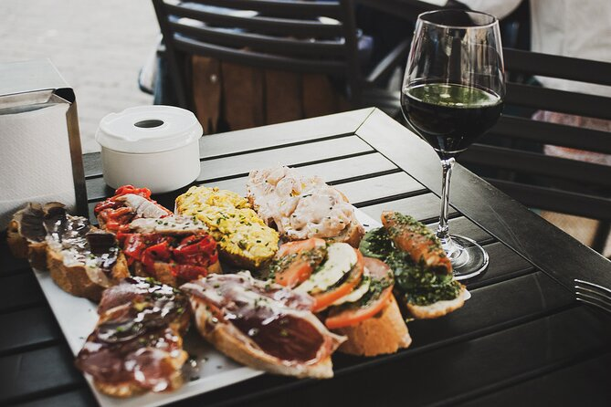 Bar Crawl in Barcelona with Spanish Wines, Vermut, Cold Beer and Tapas