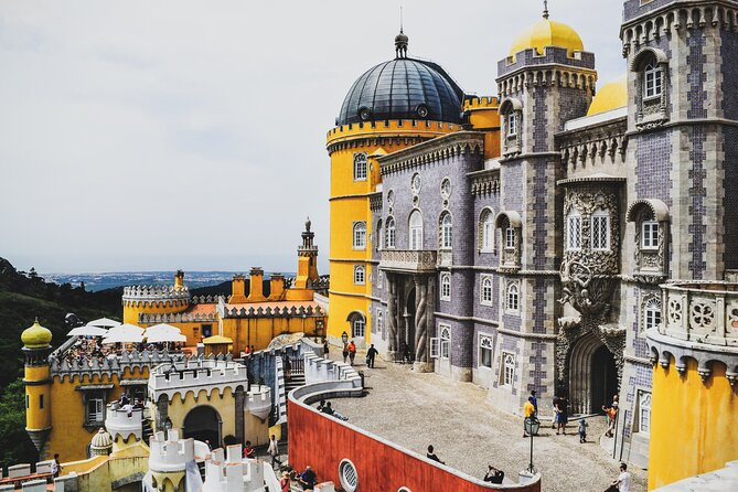 Private Full-Day Sintra Trip from Lisbon with Wine Tasting and Hotel Pick-Up