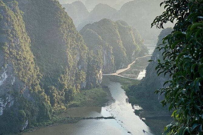 Private Full Day Tour Hanoi to Ninh Binh in Tam Coc & Mua Cave