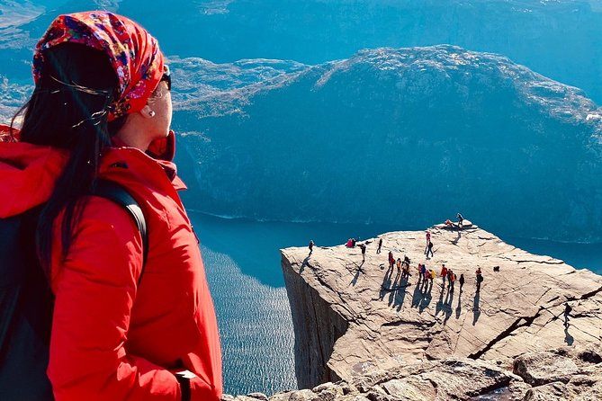 Guided hike to Pulpit Rock Preikestolen