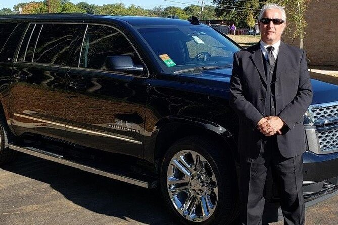 Luxury SUV Transfer from Downtown Hotels to New Orleans International Airport