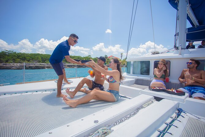 Riviera Maya Luxury Yacht and Snorkeling, Lunch & Drinks Included