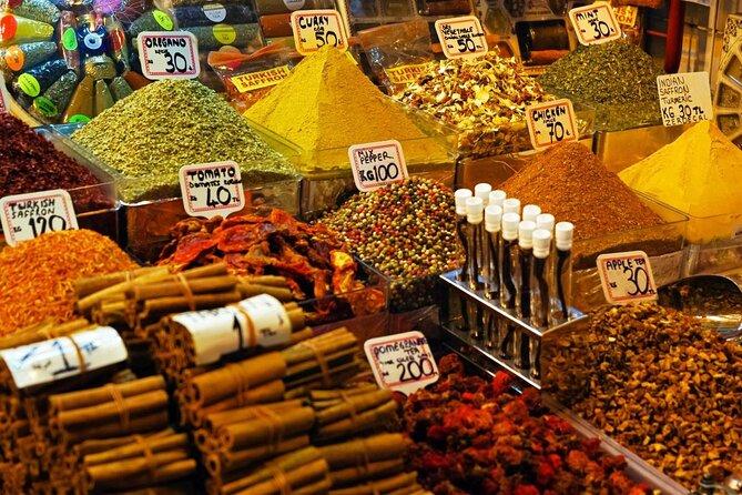 Bazar de especiarias (Misir Carsisi)