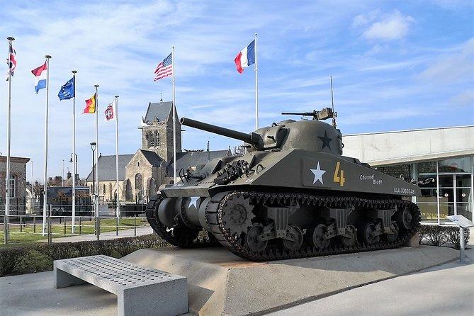Private tour of Sainte-Mère-Église from Caen by minivan (3/6 passengers)