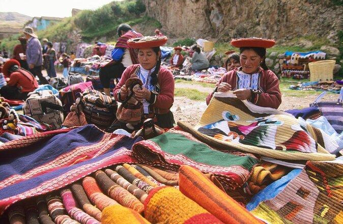 Chincheros Indian Market (Mercado Chincero)