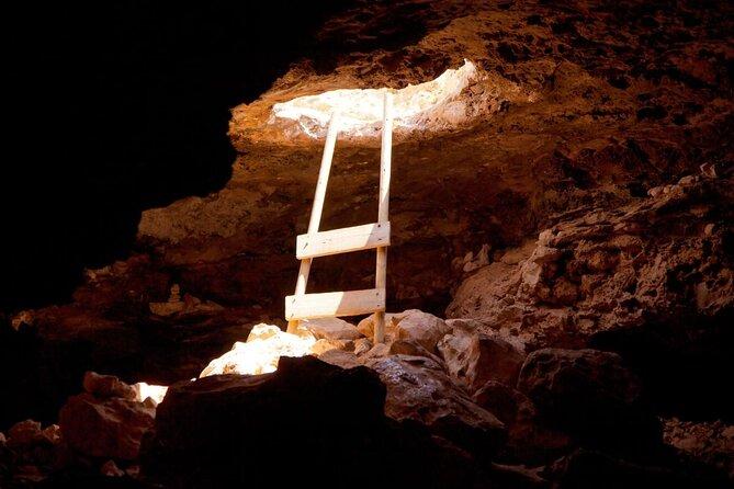 Can Marca Caves (Cueva de Can Marcà)